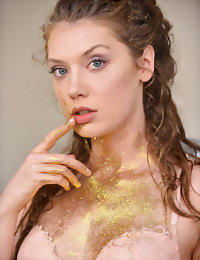 Pure Gold teens in nude