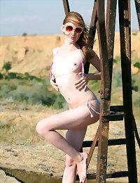 Sunglasses nice naked pics