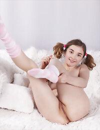 Cutie spreading legs